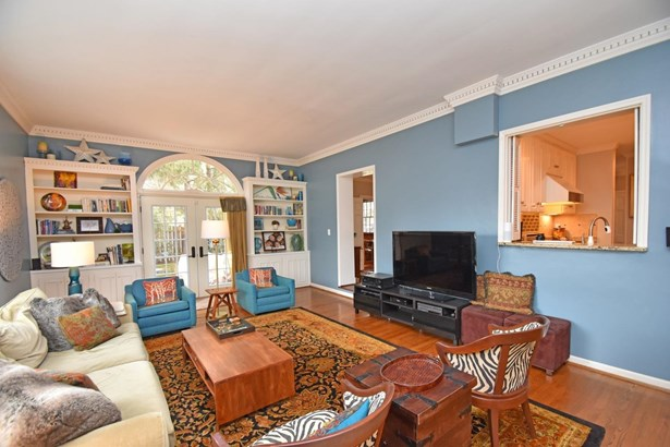 Single Family Residence, Colonial - Mariemont, OH (photo 5)