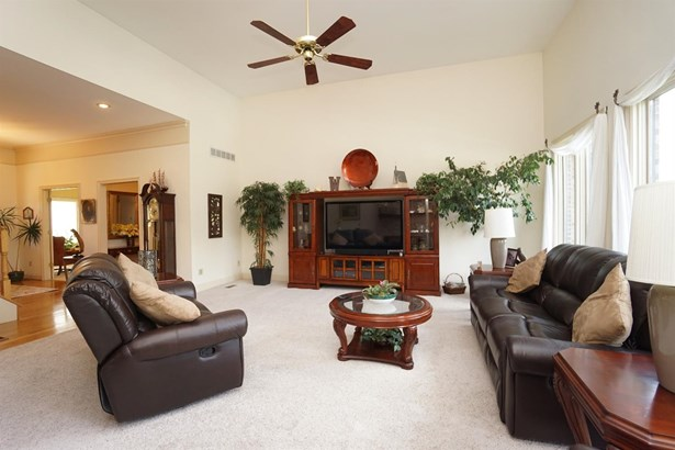 Single Family Residence, Traditional - Turtle Creek Twp, OH (photo 5)