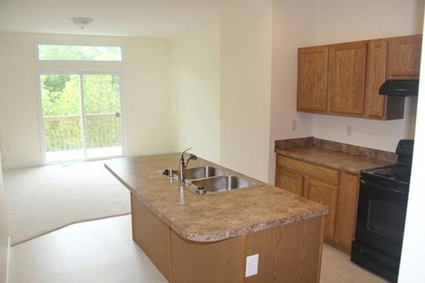 Transitional, Condominium - Cincinnati, OH (photo 5)