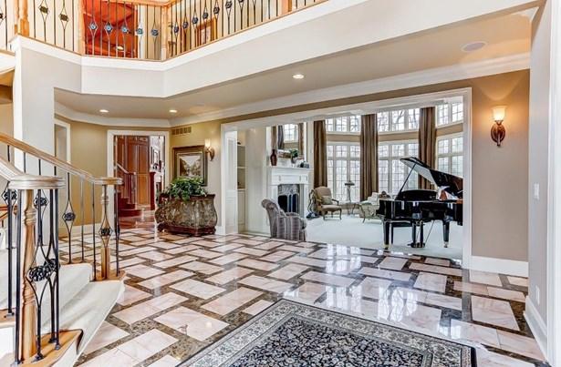 Transitional, Single Family Residence - Mason, OH (photo 2)