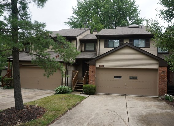 Transitional, Condominium - Springdale, OH (photo 1)