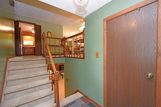 Single Family Residence, Traditional - Jackson Twp, OH (photo 2)
