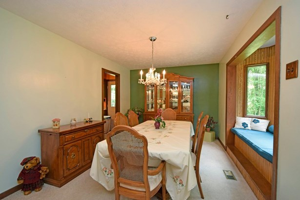 Single Family Residence, Traditional - Jackson Twp, OH (photo 5)