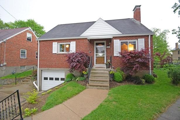 Cape Cod, Single Family Residence - St Bernard, OH (photo 2)