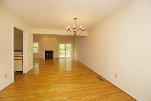Condominium, Traditional - Symmes Twp, OH (photo 4)