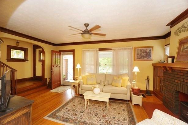 Single Family Residence, Traditional - Hamilton, OH (photo 5)