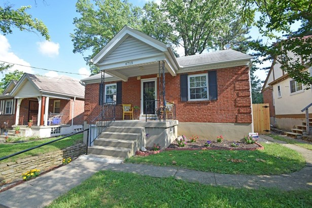 Single Family Residence, Traditional - Silverton, OH (photo 2)