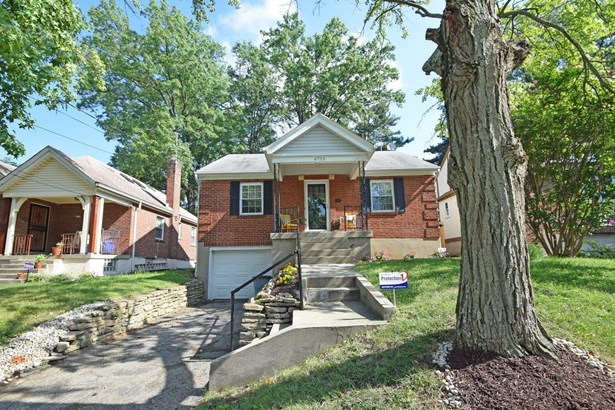 Single Family Residence, Traditional - Silverton, OH (photo 4)