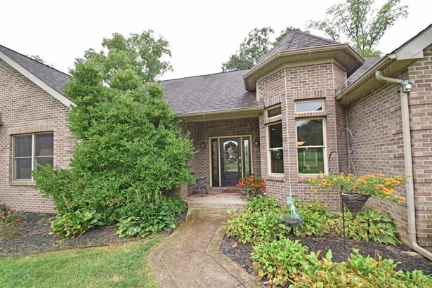 Single Family Residence, Traditional - Harlan Twp, OH (photo 2)
