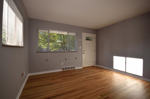 Single Family Residence, Ranch - Milford, OH (photo 3)