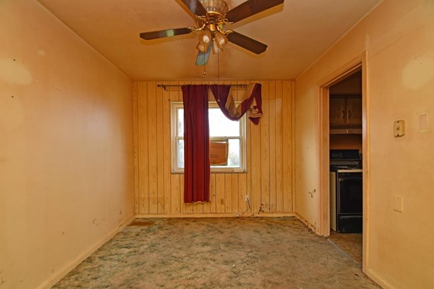 Cape Cod, Single Family Residence - North College Hill, OH (photo 5)