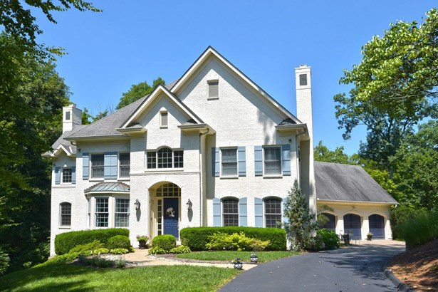 Single Family Residence, Traditional - Indian Hill, OH