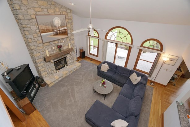 Transitional, Single Family Residence - Loveland, OH (photo 5)