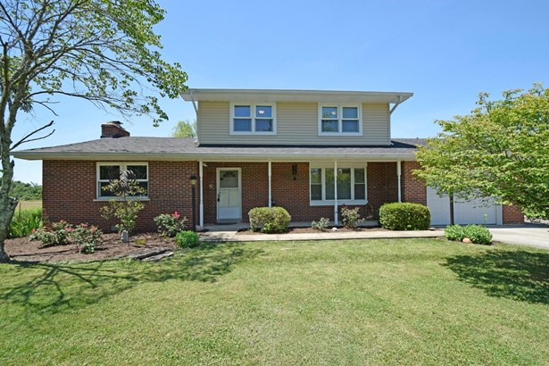 Single Family Residence, Traditional - Williamsburg Twp, OH (photo 1)