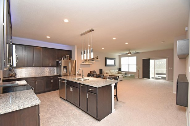 Condominium, Contemporary/Modern - Springfield Twp., OH (photo 3)