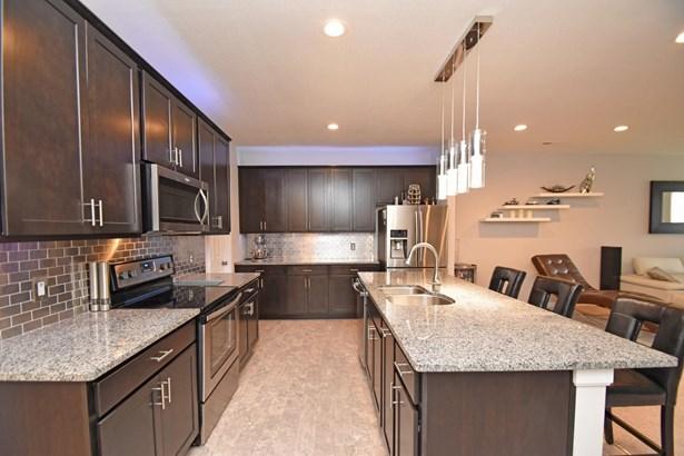 Condominium, Contemporary/Modern - Springfield Twp., OH (photo 4)