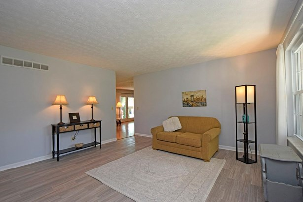 Ranch,Traditional, Single Family Residence - Evendale, OH (photo 2)