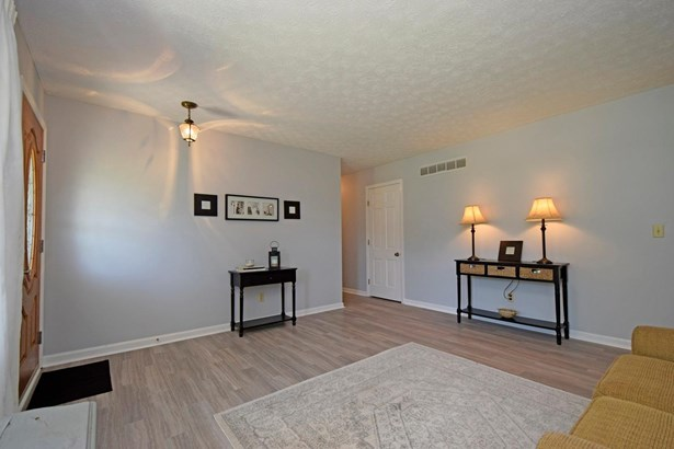 Ranch,Traditional, Single Family Residence - Evendale, OH (photo 3)