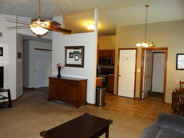 Single Family Residence, Ranch - Trenton, OH (photo 4)
