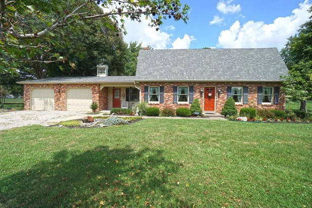 Single Family Residence, Traditional - Turtle Creek Twp, OH