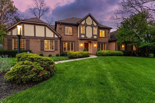 Transitional,Tudor, Single Family Residence - Symmes Twp, OH (photo 1)