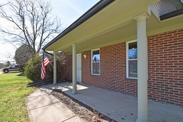 Ranch,Traditional, Single Family Residence - Miami Twp, OH (photo 2)