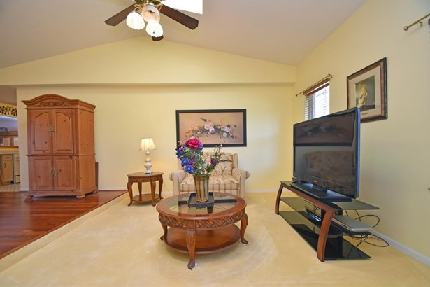 Ranch,Traditional, Single Family Residence - Miami Twp, OH (photo 4)