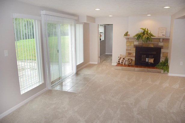 Single Family Residence, Traditional - Salem Twp, OH (photo 5)