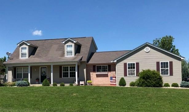Cape Cod, Single Family Residence - Lawrenceburg, IN