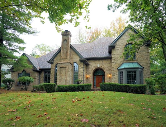 Transitional, Single Family Residence - Symmes Twp, OH