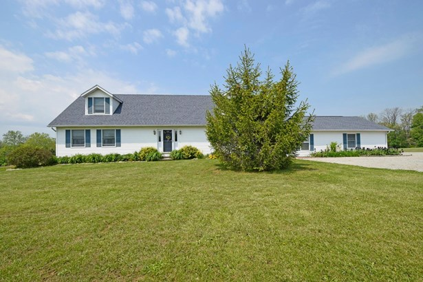 Cape Cod, Single Family Residence - Tate Twp, OH (photo 2)