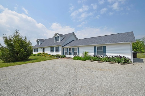 Cape Cod, Single Family Residence - Tate Twp, OH (photo 3)