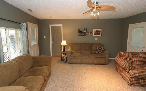Single Family Residence, Ranch - Paint Twp, OH (photo 4)