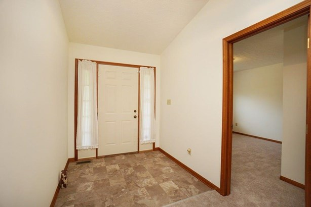Single Family Residence, Ranch - Middletown, OH (photo 3)