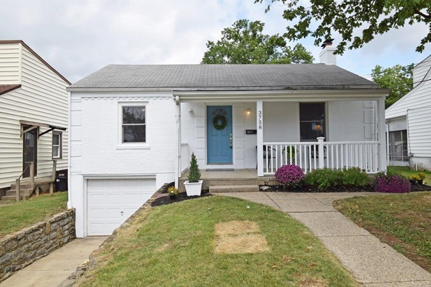 Single Family Residence, Ranch - Green Twp, OH