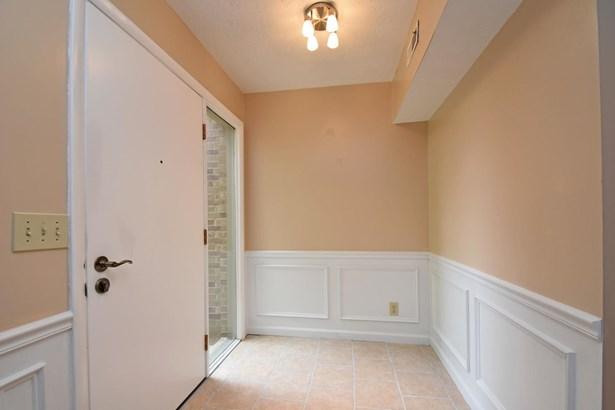 Condominium, Traditional - Springdale, OH (photo 2)