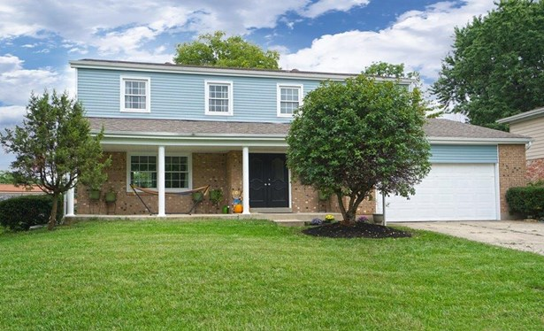 Transitional, Single Family Residence - Springdale, OH