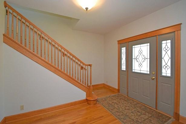 Single Family Residence, Traditional - Ohio Twp, OH (photo 3)