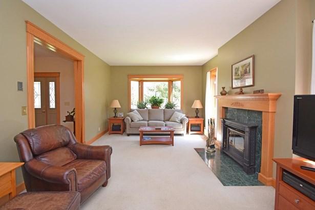 Single Family Residence, Traditional - Ohio Twp, OH (photo 5)