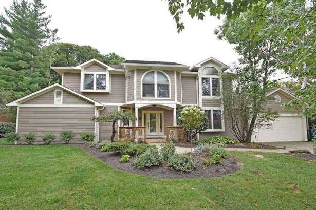 Transitional, Single Family Residence - Evendale, OH