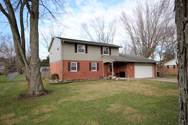Single Family Residence, Traditional - Franklin Twp, OH (photo 2)