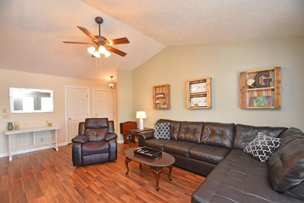 Condominium, Traditional - Harrison, OH (photo 5)