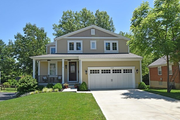 Transitional, Single Family Residence - Madeira, OH (photo 1)