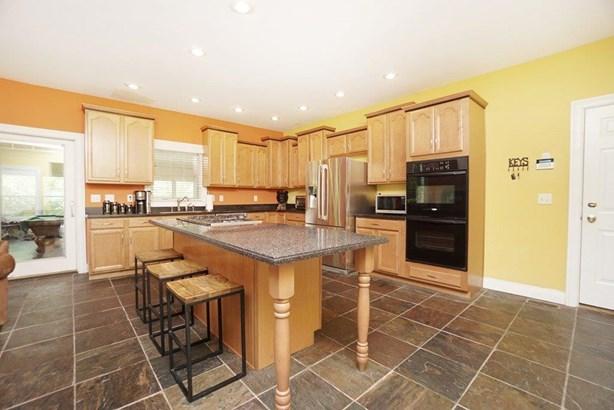 Single Family Residence, Ranch,Transitional - Hamilton, OH (photo 5)
