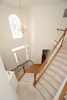 Transitional, Single Family Residence - Union Twp, OH (photo 4)