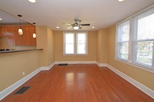 Transitional, Single Family Residence - Cincinnati, OH (photo 5)