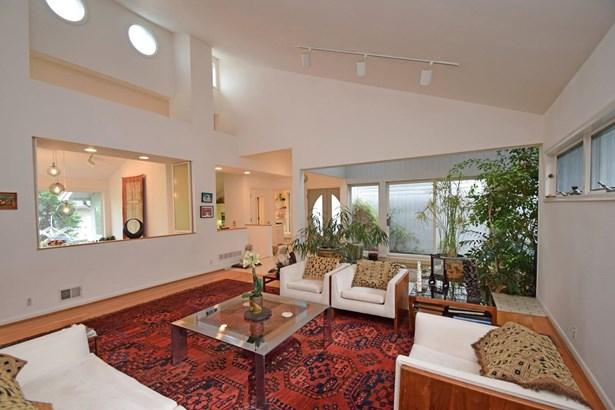Single Family Residence, Contemporary - Cincinnati, OH (photo 5)