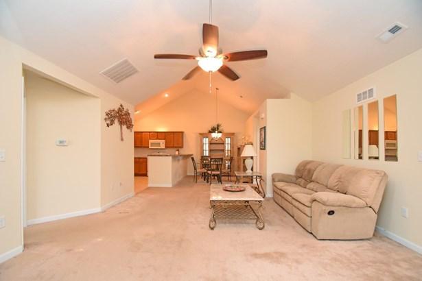 Condominium, Ranch - Union Twp, OH (photo 4)