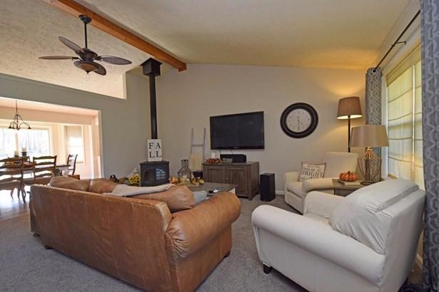Single Family Residence, Ranch - Goshen Twp, OH (photo 3)