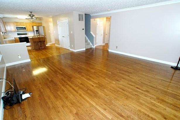 Single Family Residence, Traditional - Beavercreek, OH (photo 5)